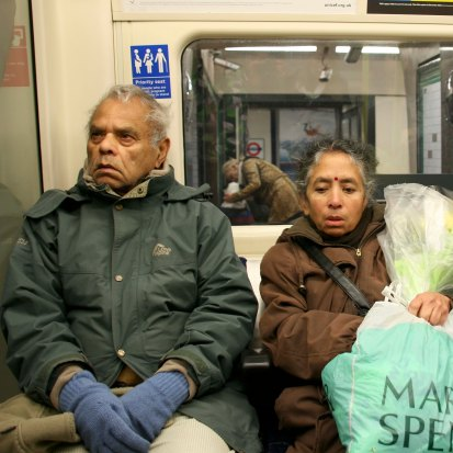 elderly-couple-on-tube